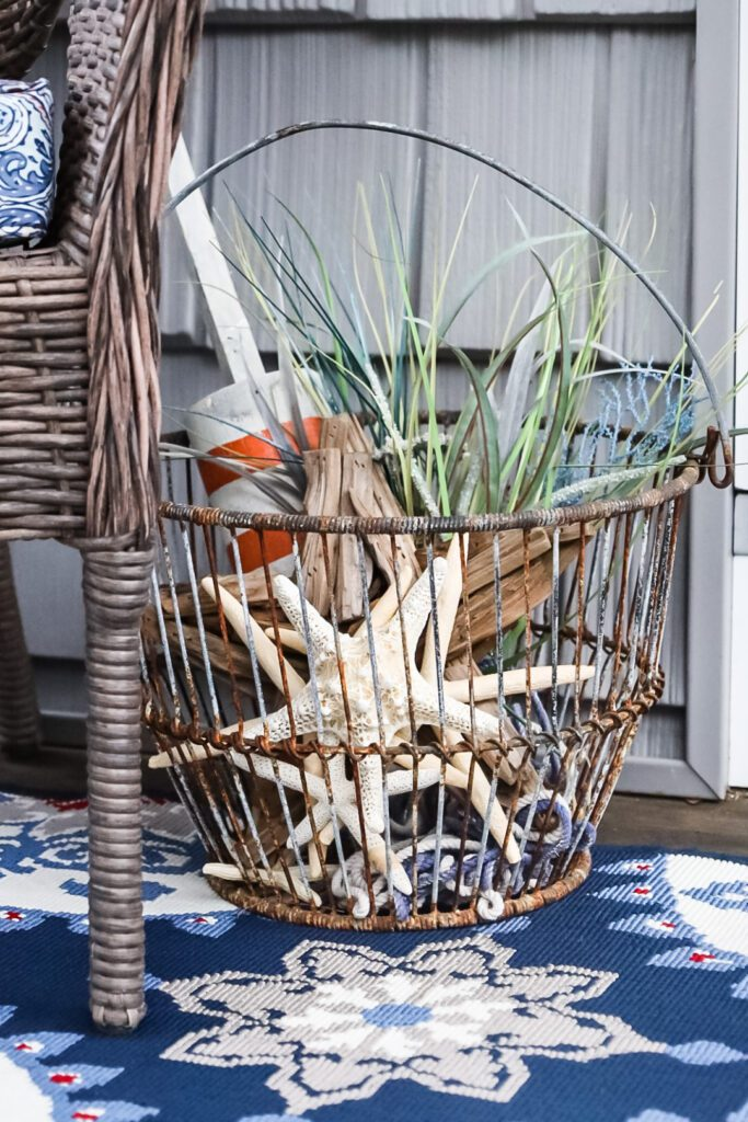 clamming basket with shells